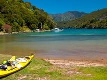 Kayaking è uno sport popolare Fotografie Stock