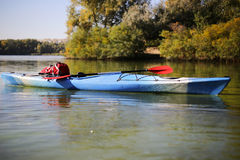 Kayaking ο ποταμός του Κολοράντο (μεταξύ του φράγματος πορθμείων κατακαθιών και φαραγγιών του Glen) Στοκ εικόνα με δικαίωμα ελεύθερης χρήσης