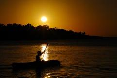kayaking заход солнца Стоковые Фотографии RF