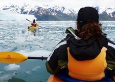 Kayaking Aialik Schacht, Kenai Fjord-Nationalpark AK Lizenzfreie Stockbilder