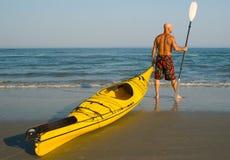 Kayaking allant Photos stock
