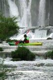 Kayaking auf dem Zrmanja Fluss Lizenzfreie Stockfotos