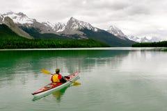 Kayaking dans Banff Photo stock