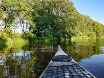 Kayaking in de rivier Royalty-vrije Stock Afbeeldingen