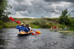 Kayaking de transporter de rivière de Sula editoal Photos stock