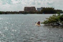 Kayaking el intracostero Fotografía de archivo libre de regalías