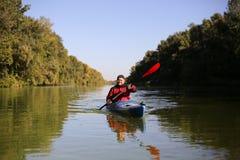 Kayaking el río Colorado (entre el transbordador de Lees y Glen Canyon Dam) Fotografía de archivo libre de regalías