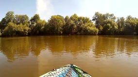 Kayaking em Pivdennyi, Buh, do sul, erro, Khmelnytskyi, Ucrânia Ducks a decolagem filme