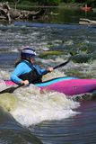Kayaking forsarna I 2018 royaltyfria foton