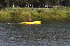 Kayaking I stockbilder