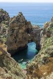Kayaking i Algarven, Portugal royaltyfria foton