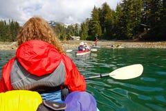 Kayaking Kachemak fjärd Alaska arkivbild