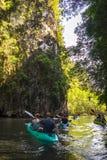 Kayaking in krabi Royalty-vrije Stock Afbeeldingen