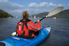 kayaking lakewindermere Royaltyfria Foton