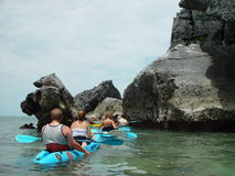 Kayaking Meer Lizenzfreies Stockfoto