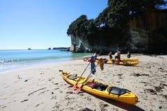 Kayaking Meer Lizenzfreie Stockbilder