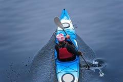 Kayaking na rzece, tyły view12 Zdjęcie Royalty Free