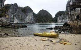 Kayaking nel Vietnam Fotografia Stock