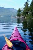 Kayaking nella baia profonda Fotografia Stock Libera da Diritti