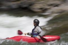 Kayaking no whitewater Foto de Stock