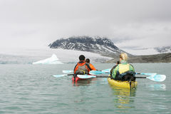 kayaking norway royaltyfria foton