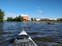 Kayaking op de rivier Stock Foto's