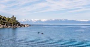 Kayaking op Meer Tahoe royalty-vrije stock afbeelding