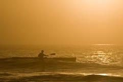 Kayaking Ozean Lizenzfreie Stockbilder