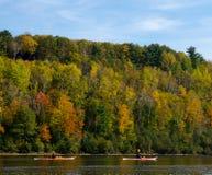 Kayaking på nedgången Arkivfoto