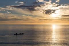 Kayaking på soluppgång i Abel Tasman National Park Fotografering för Bildbyråer
