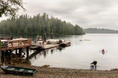 Kayaking przy Barkley dźwiękiem zdjęcia stock
