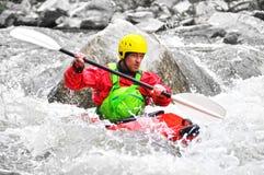 Kayaking som extrem och rolig sport royaltyfri foto
