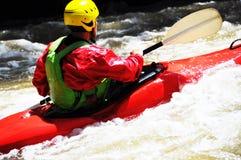 Kayaking som extrem och rolig sport royaltyfri bild