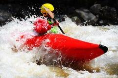 Kayaking som extrem och rolig sport royaltyfria bilder