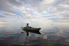 Kayaking superior ativo no parque nacional de Biscayne, Florida imagens de stock royalty free