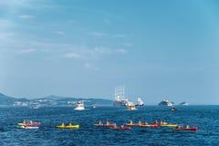 Kayaking sur la Mer Adriatique près de Dubrovnik Images libres de droits