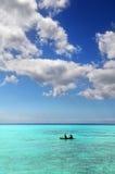 Kayaking in una destinazione tropicale Fotografia Stock