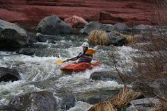 kayaking vattenwhite Arkivbilder