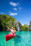 Kajak w Błękitnej lagunie Fotografia Royalty Free