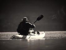 Kayaking weg royalty-vrije stock foto