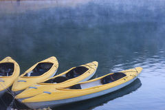 Kayaks in lake Royalty Free Stock Photos