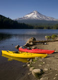 Red Yellow Kayaks Trillium Lake Mt Hood Oregon Stock Image