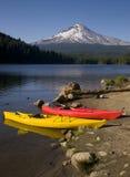 Red Yellow Kayaks Trillium Lake Mt Hood Oregon Stock Image