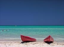 Kayaks sur la mer des Caraïbes Photo stock