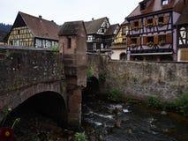 Kaysersberg i Alsace Frankrike arkivbilder