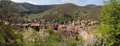 Kaysersberg, panorama del villaggio Fotografia Stock Libera da Diritti