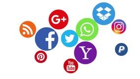 Kazán, Rusia - 24 de agosto de 2017: Animación de los logotipos sociales populares de los medios
