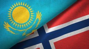 Kazachstan en Noorwegen twee vlaggen textieldoek, stoffentextuur royalty-vrije illustratie
