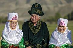 Kazakh familie in Saty-Dorp, Kazachstan royalty-vrije stock foto's