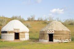Kazakh yurt in de Kyzylkum-woestijn Stock Foto